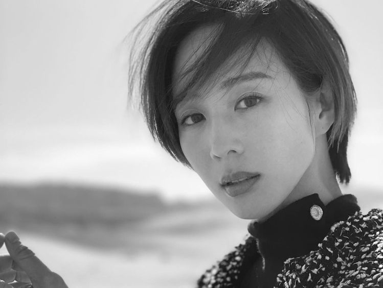 張鈞甯的短髮優雅又帥氣。圖/摘自IG 吳曉涵