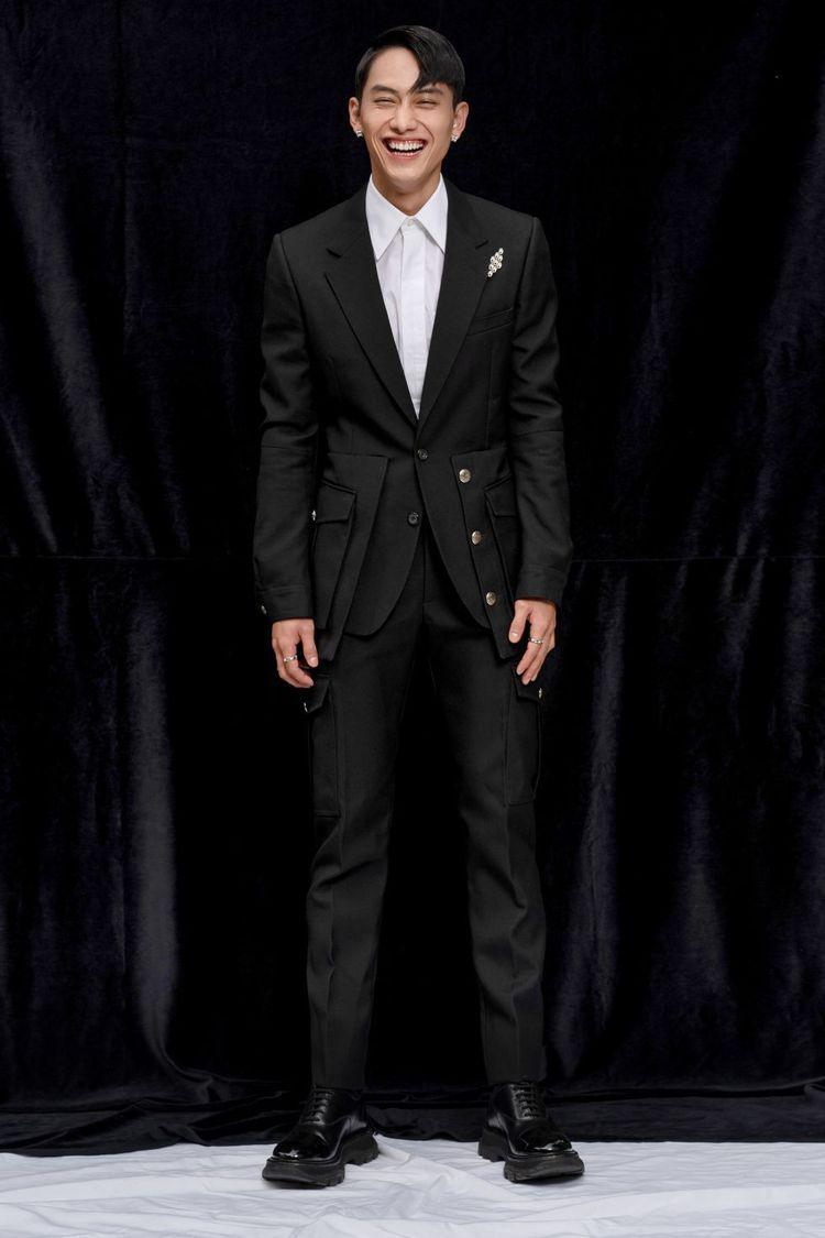 范少勳穿Alexander McQueen西裝出席金馬獎,被封為紅毯三帥。圖/青...