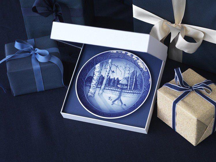 皇家哥本哈根2021年度紀念盤冬日花園裡的鷦鷯/3,800元。圖/皇家哥本哈根提...