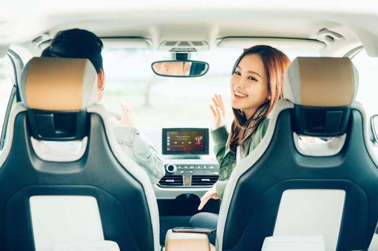 KKBOX也為用戶貼心準備好許多與開車、旅行有關的「在路上」分類歌單。圖/KKB...