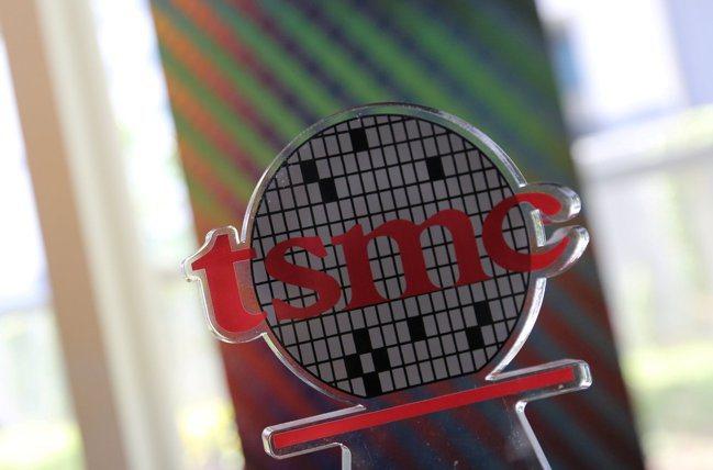 蘋果傳出找台積電合作開發Micro OLED面板。(路透)