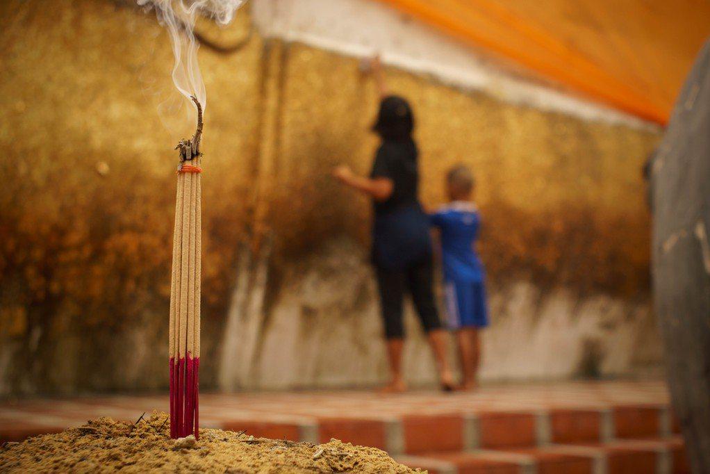 每逢農曆初二,十六、搬家入厝、安神位等時候,住家基於傳統信仰都會祭拜地基主。圖片...