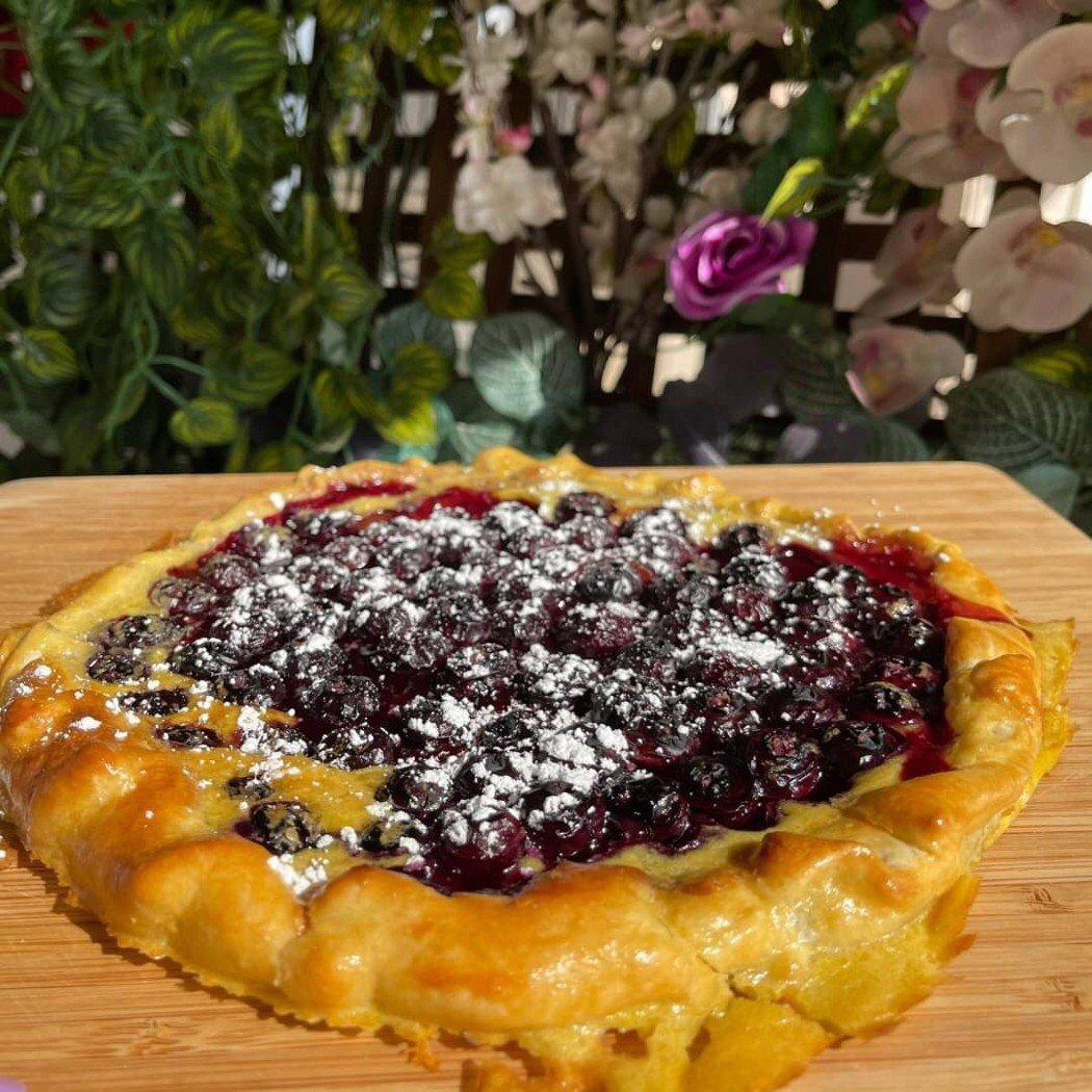 廖家儀和孩子們做的藍莓派。圖/廖家儀提供