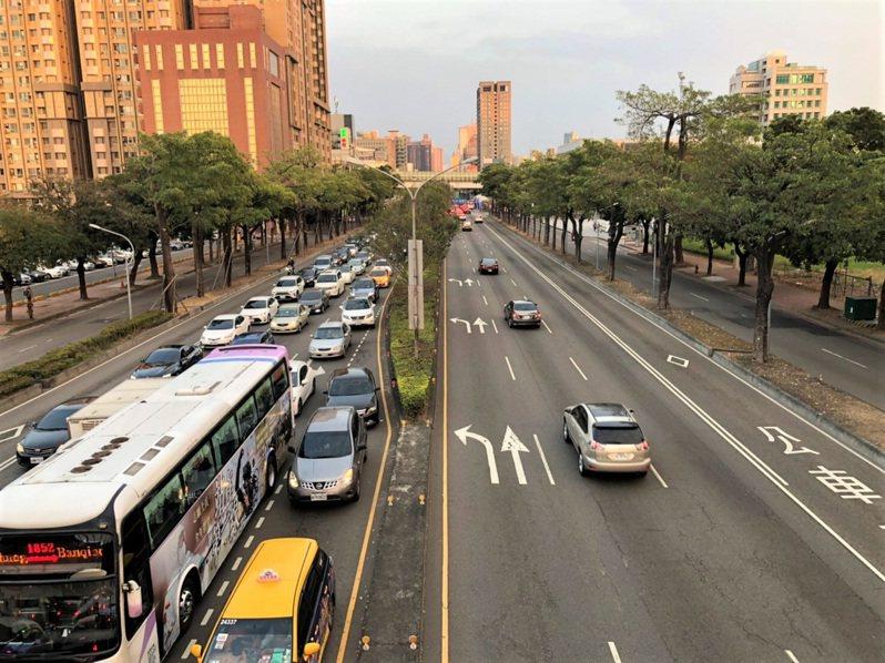 今天是除夕,台中市交通局表示,目前台中市整體交通狀況良好,返鄉車潮集中在昨天小年夜。市區車潮已明顯紓解。圖/台中市交通局提供