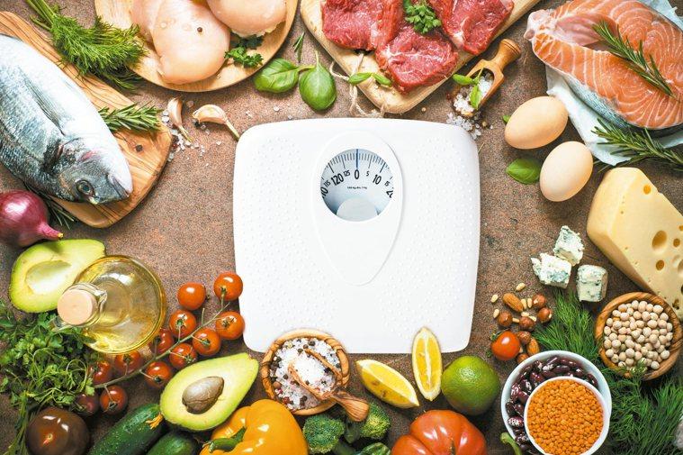 過年飲食攝取要均衡,避免年後肥胖的情況發生。 圖/123RF