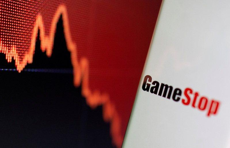 GameStop商標與股價走勢圖,攝於2日。路透