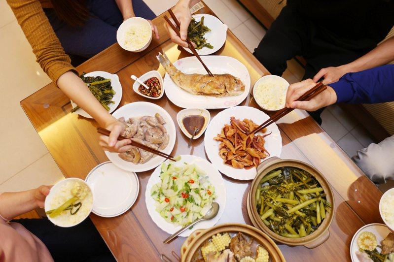 受疫情影響,多數國人今年留在台灣過年,春節連假聚餐需求也比往年大增。圖/聯合報系資料照片