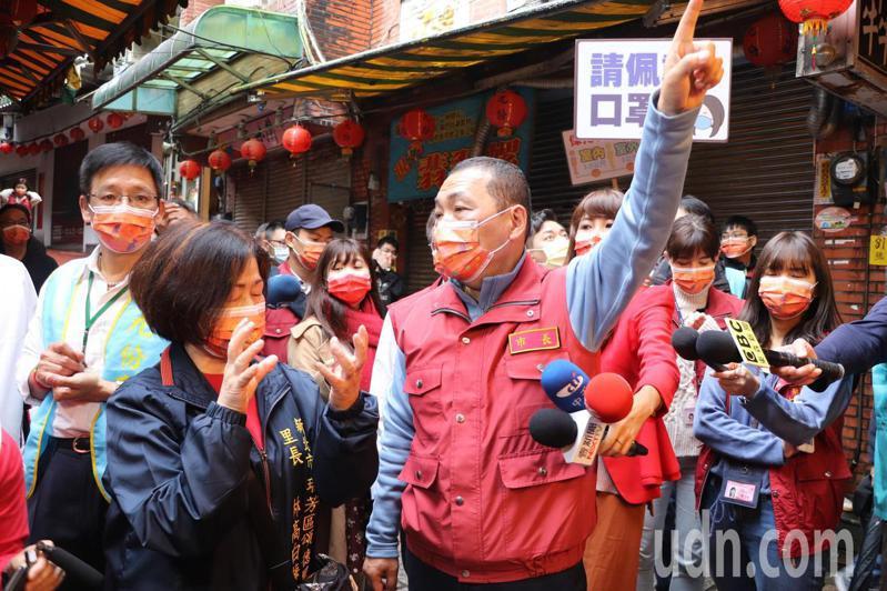 新北市長侯友宜今視察九份老街防疫措施。記者吳亮賢/攝影