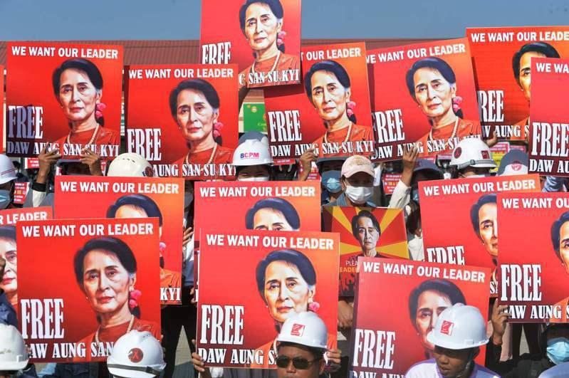 軍方兩週前推翻民選政府,拘捕實質領導人翁山蘇姬,引爆緬甸10多年來最大抗議潮。 法新社