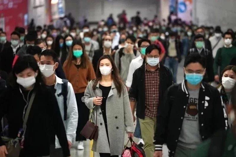 香港官方表示,香港今天新增2019冠狀病毒疾病(COVID-19)確診9例,其中4例為本土個案。這是香港近3個月來最低的新增確診病例數。圖/中新社資料照