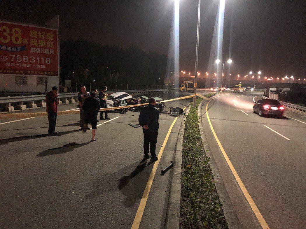彰化和美鎮嘉卿路一段與厚北路口今天深夜1點30分左右發生車禍,造成2死1傷。圖/...