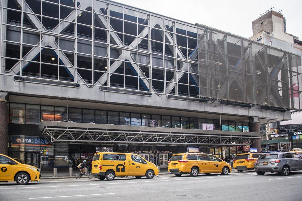 官員經過多年討論,終於敲定翻修已有七十年歷史的紐約公車總站。(紐約時報)