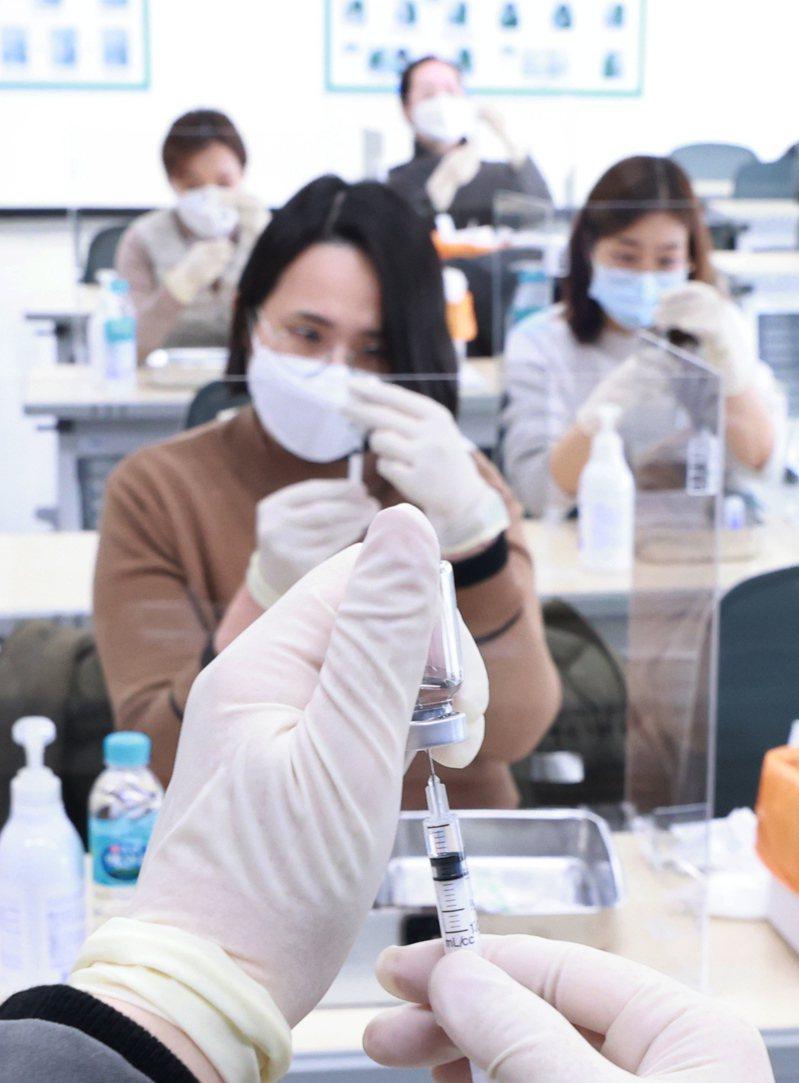 南韩国家情报院表示,北韩骇客曾试图窃取南韩的新冠肺炎疫苗及治疗剂的原始技术资料。图/欧新社(photo:UDN)