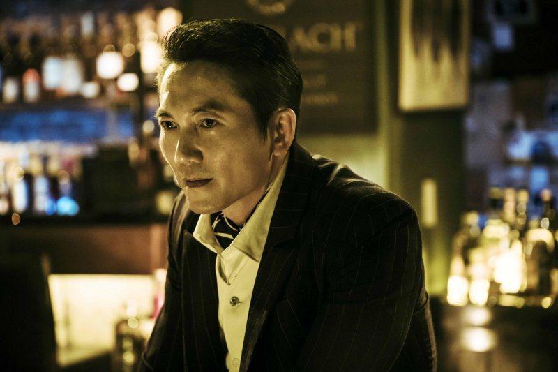 鄒兆龍在「角頭2」飾演大反派劉健。圖/巧克麗娛樂提供