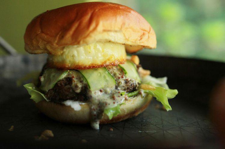 「Wayne的口嗜心飛」獻上澳洲Wylarah雙味蘑菇漢堡排。圖/美福國際提供。