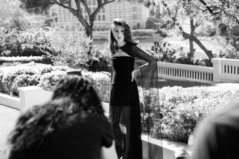 拍攝地點選在摩納哥別墅La Vigie,對香奈兒品牌及夏洛特都有特殊意義。圖/香奈兒提供