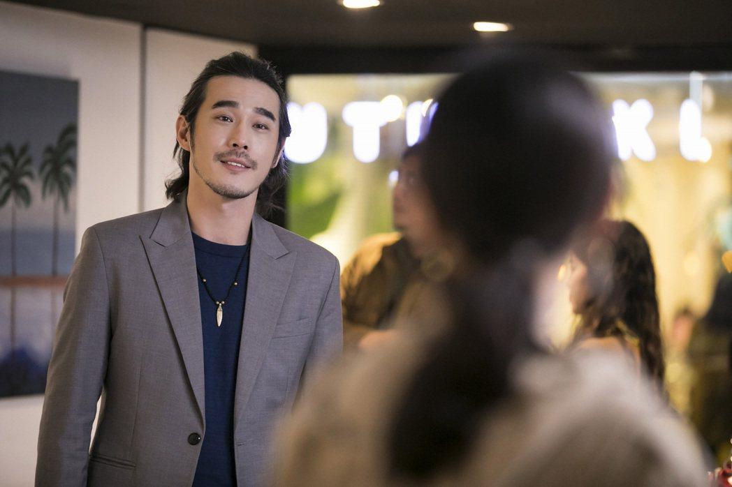 黃騰浩二度和告五人合作,揭曉「披星戴月的想你」MV結局。圖/相信音樂提供