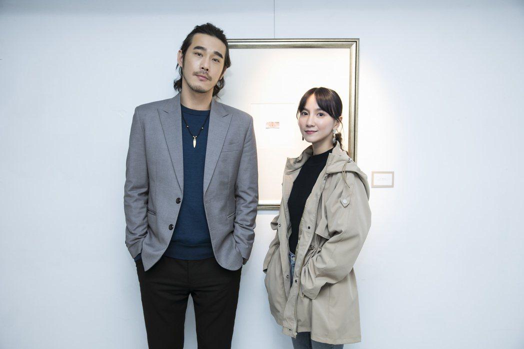 黃騰浩(左)二度和告五人合作,攜手女主角張寗揭曉「披星戴月的想你」MV結局。圖/...