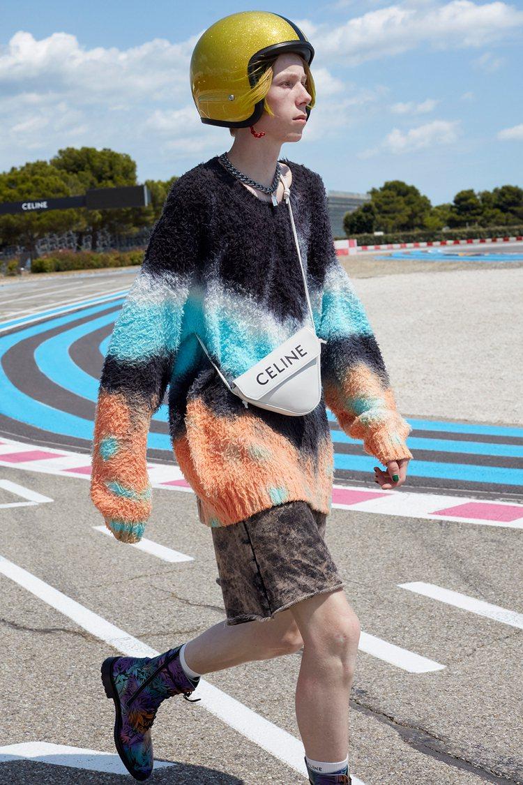 CELINE Triangle Bag為2021春夏季男裝系列的單品。圖/CEL...