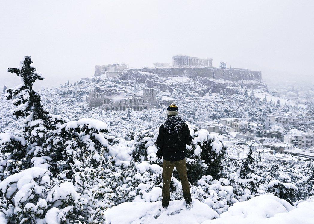 雅典衛城的誕生,可以追溯到新石器時代,位於海拔150公尺高的台地上,是雅典歷史上...