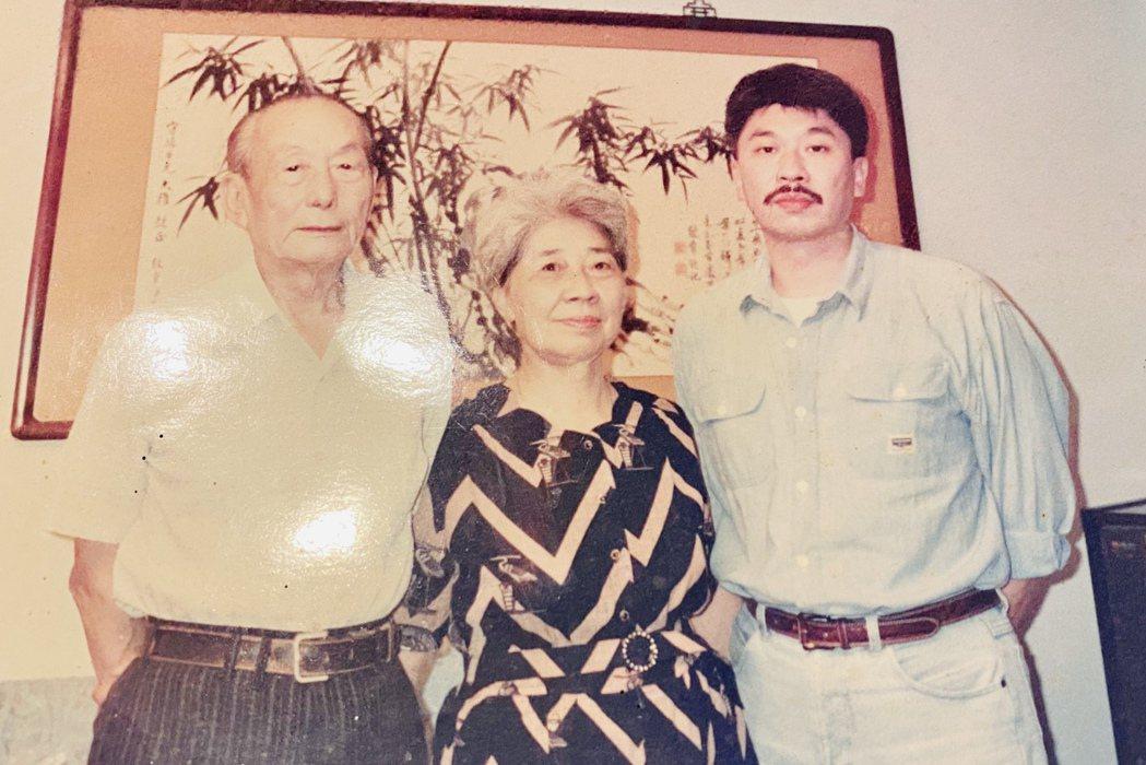倪重華(右)感謝父母親開明的教育方式,讓他得以摸索出自己的興趣。照片提供/倪重華