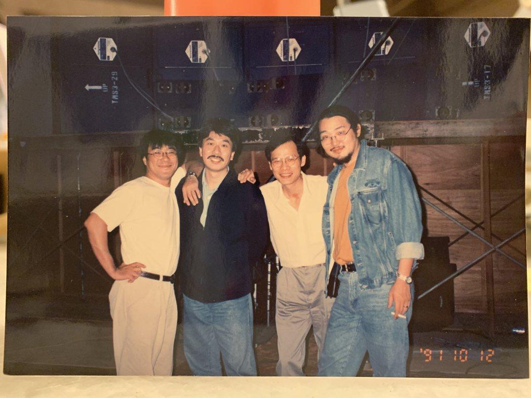 倪重華創立真言社,為台灣樂壇開展出新的搖滾面向。左起為李宗盛、倪重華、羅大佑、張...