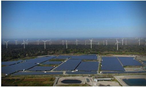 大型地面型案場,是能源轉型成功的關鍵,應正視土地整合困難的問題。適度開發農地,無...