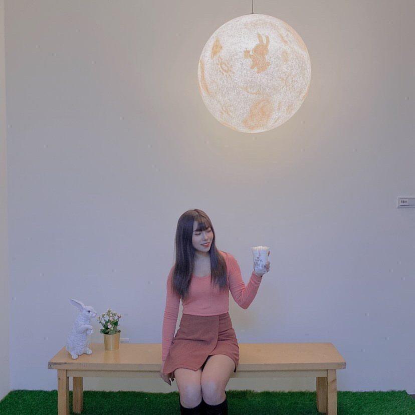 大型月亮燈適合打卡拍造,打造自然曝光。圖 / cai_09.29 instagr...