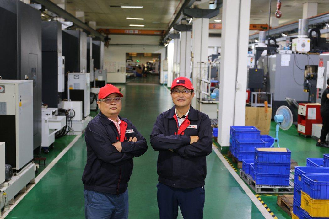 兆奕精密機械公司總經理莊畇騰(右)。 黃奇鐘/攝影