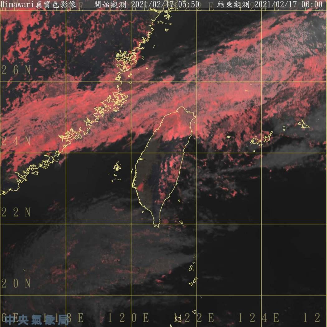 紅色是液態水為主的雲系,稱暖雲或冷雲。圖/取自鄭明典臉書