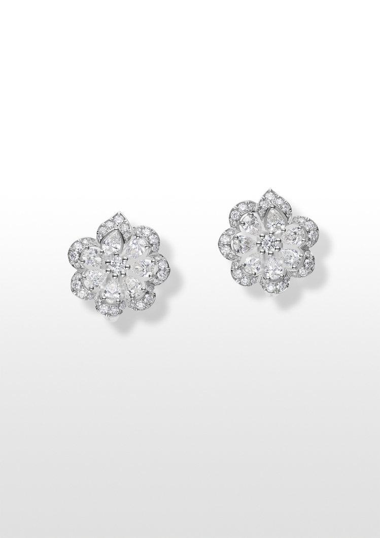 Precious Lace系列Mini Froufrou花卉耳環,獲公平採礦認證...