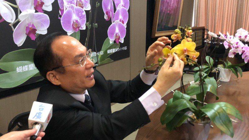 國立中興大學副校長楊長賢表示,現在做的是蘭花基因應用的前置作業。記者陳秋雲/攝影
