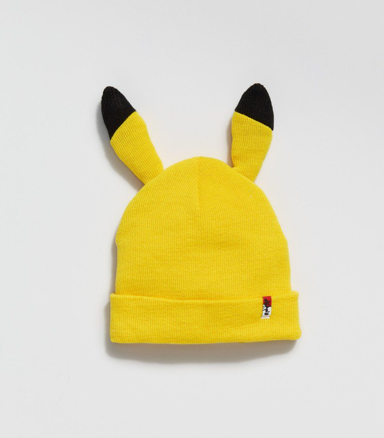 LEVI'S與Pokémon聯名系列皮卡丘毛帽1,290元。圖/LEVI'S提供