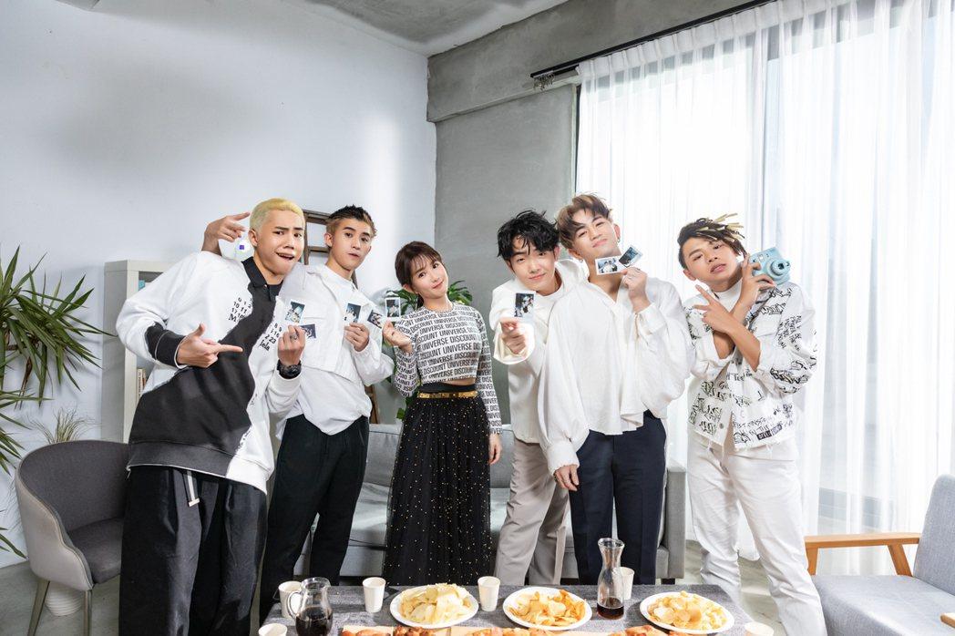 郭書瑤(左3)受邀擔任街舞男團B.T.O.D新單曲「曾諾的永遠」女主角,大秀舞技...