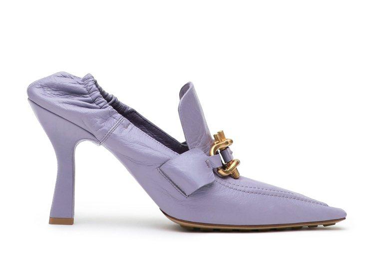 The Madame小羊皮跟鞋(薰衣草),33,700元。圖/Bottega V...