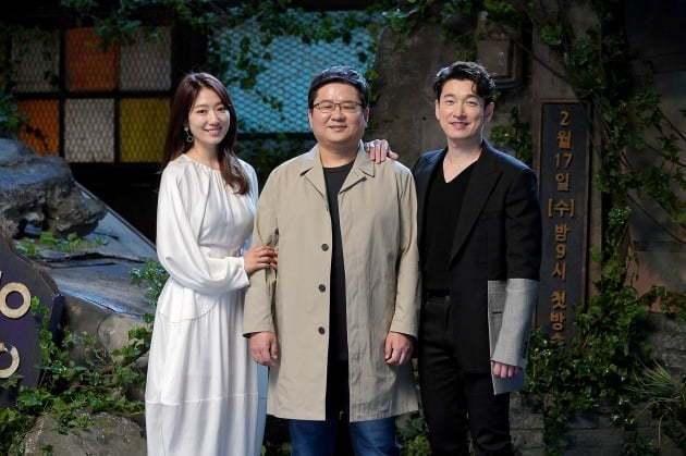 朴信惠、陳赫導演與曹承佑。 圖/摘自JTBC