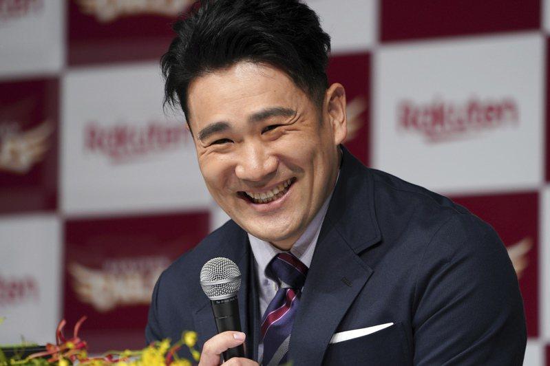 日本經濟學專家看好田中回歸日職將為樂天球團帶來巨大收益,9億日圓年薪投資相當值得。 美聯社