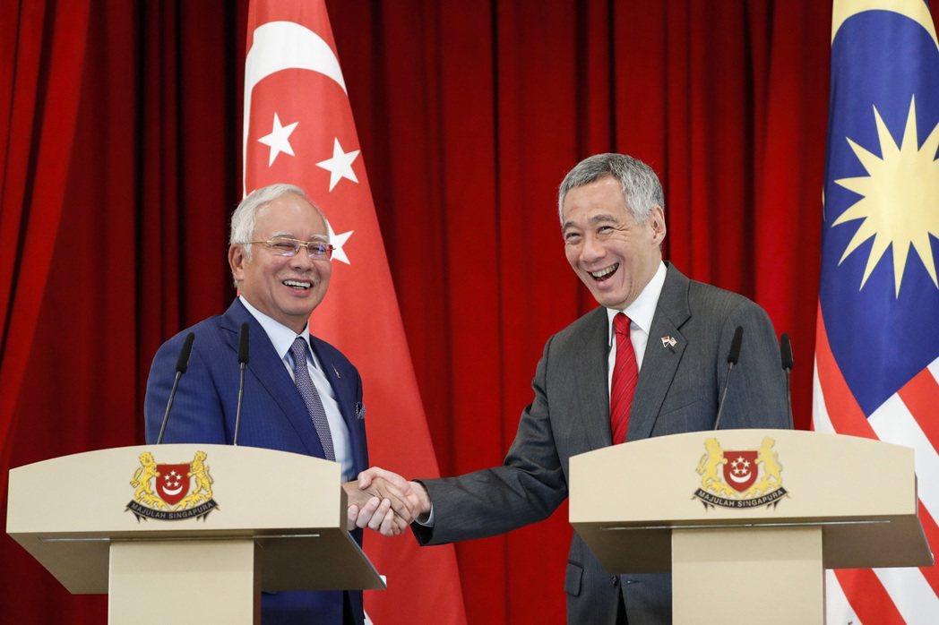 2018年1月,時任首相納吉和新加坡總理李顯龍在聯合記者會上宣佈兩國將為此工程共...