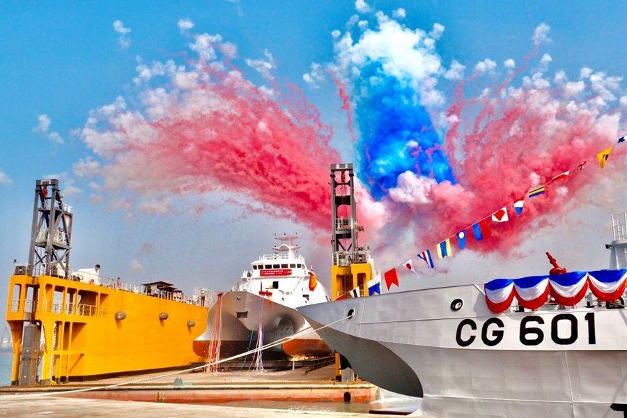 2020年12月,海巡新造600噸級「安平」艦交船、「成功」艦下水。 圖/海洋委員會