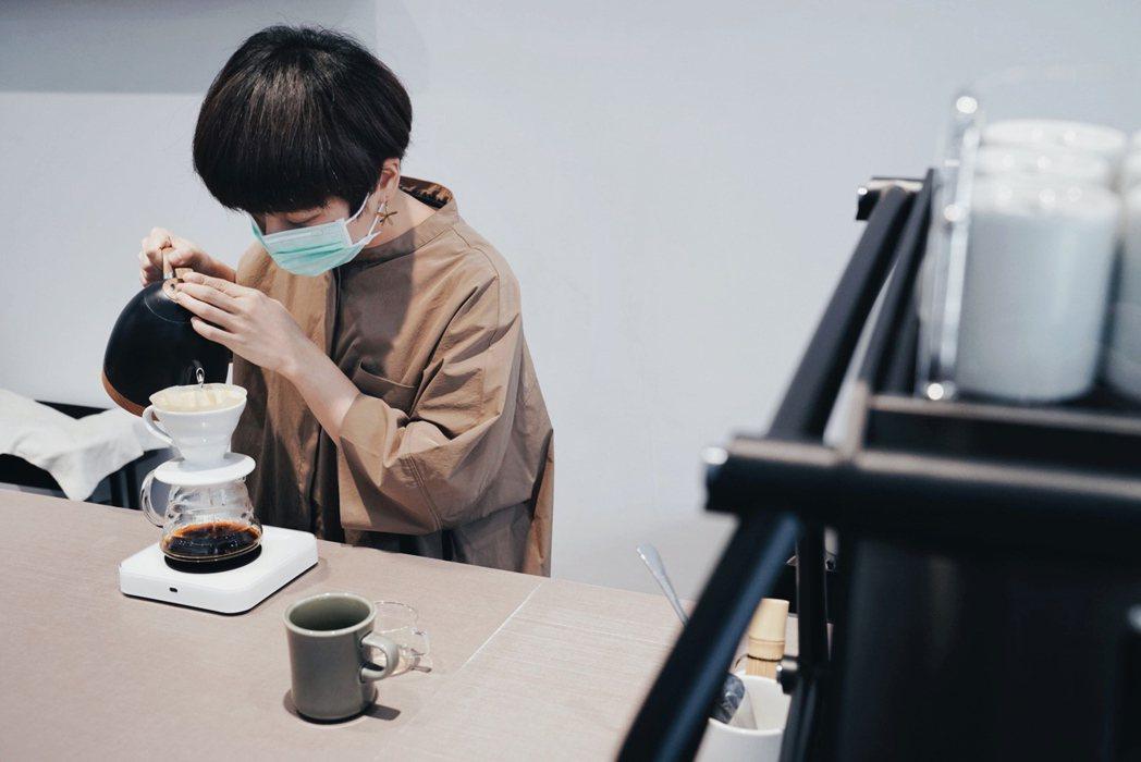 弎咖每日提供約8種自家烘焙的單品咖啡供選擇。 圖/沈佩臻攝影