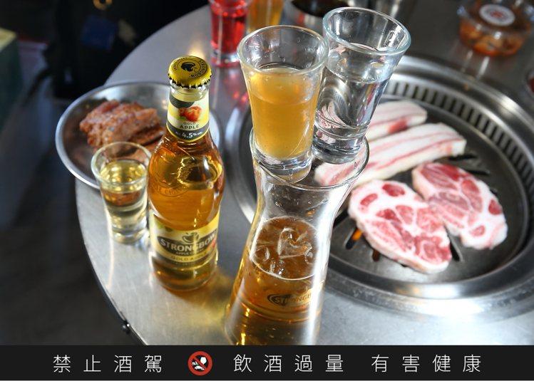詩莊堡蘋果酒炸彈,每杯180元。記者陳睿中/攝影