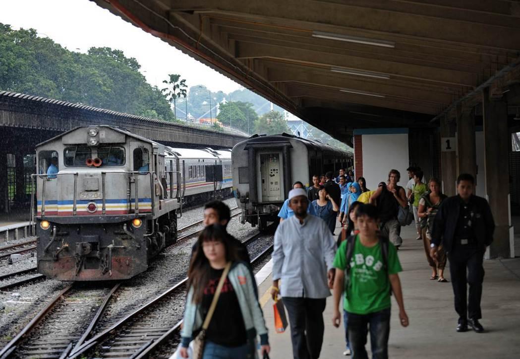 馬新兩國終於在去年7月重新簽署協議興建跨國捷運,並於11月底個別動工。圖為新加坡...