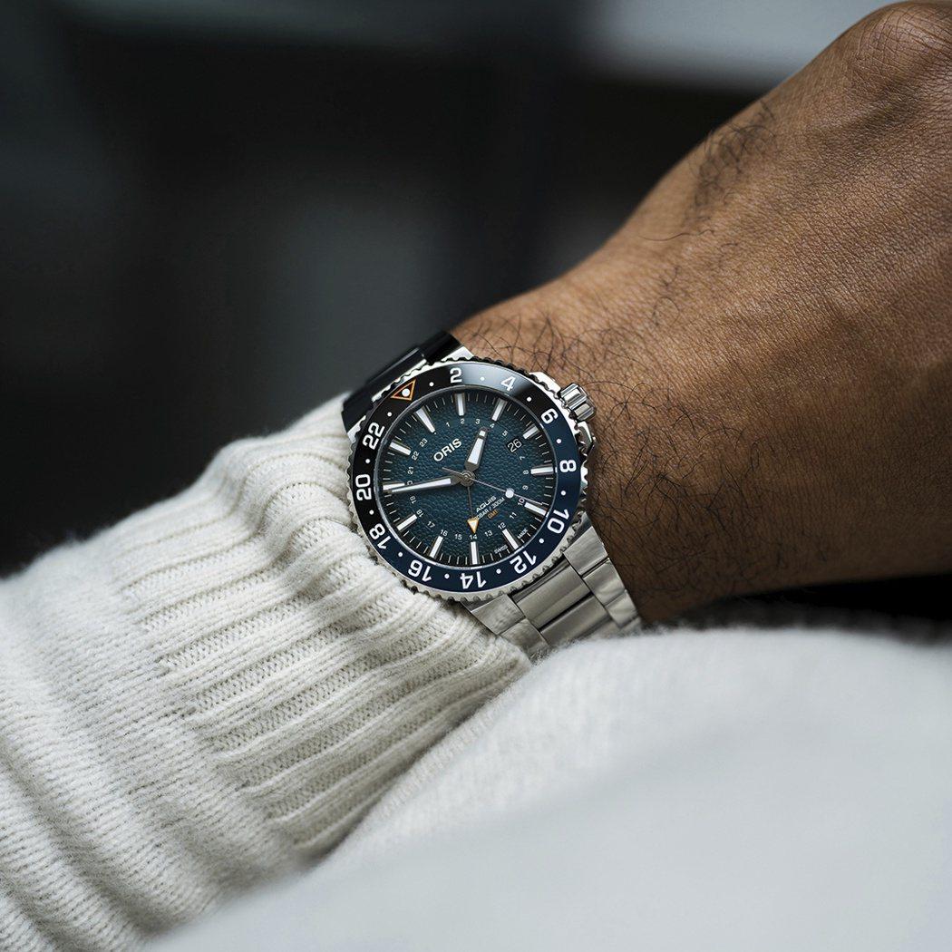 Oris Whale shark限量腕錶,以Aquis GMT 潛水錶為基礎,僅...