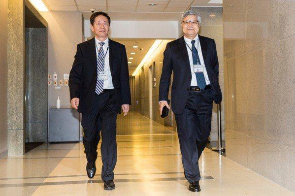 台積電董事長劉德音(左)、台積電總裁魏哲家(右)。 圖片來源:數位時代