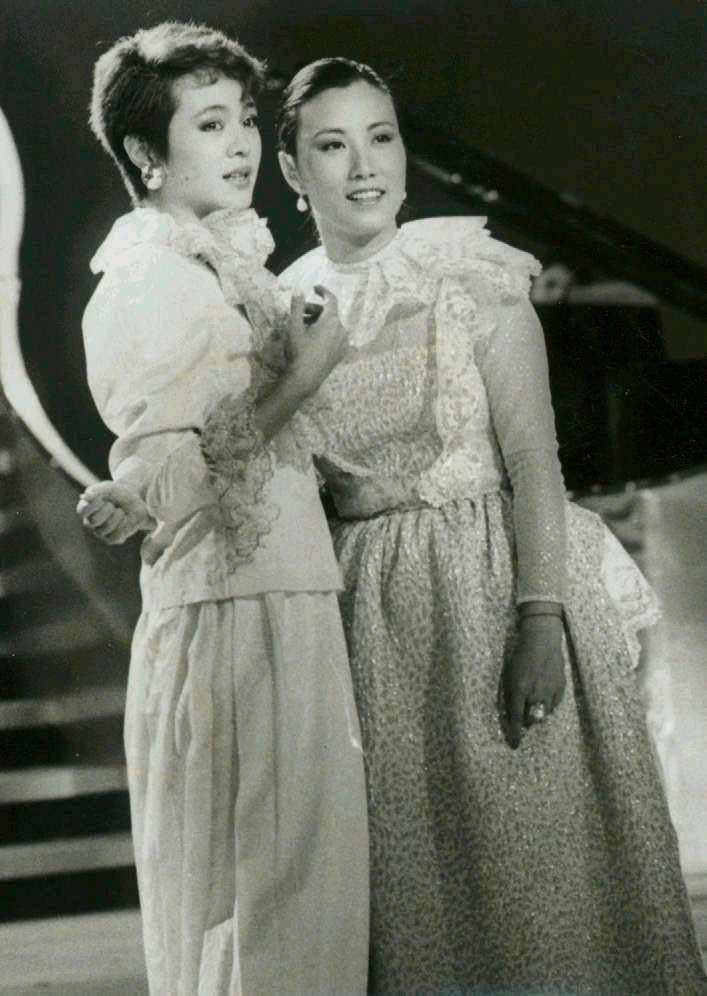汪明荃(右)曾來台灣參加崔苔菁節目的錄影。