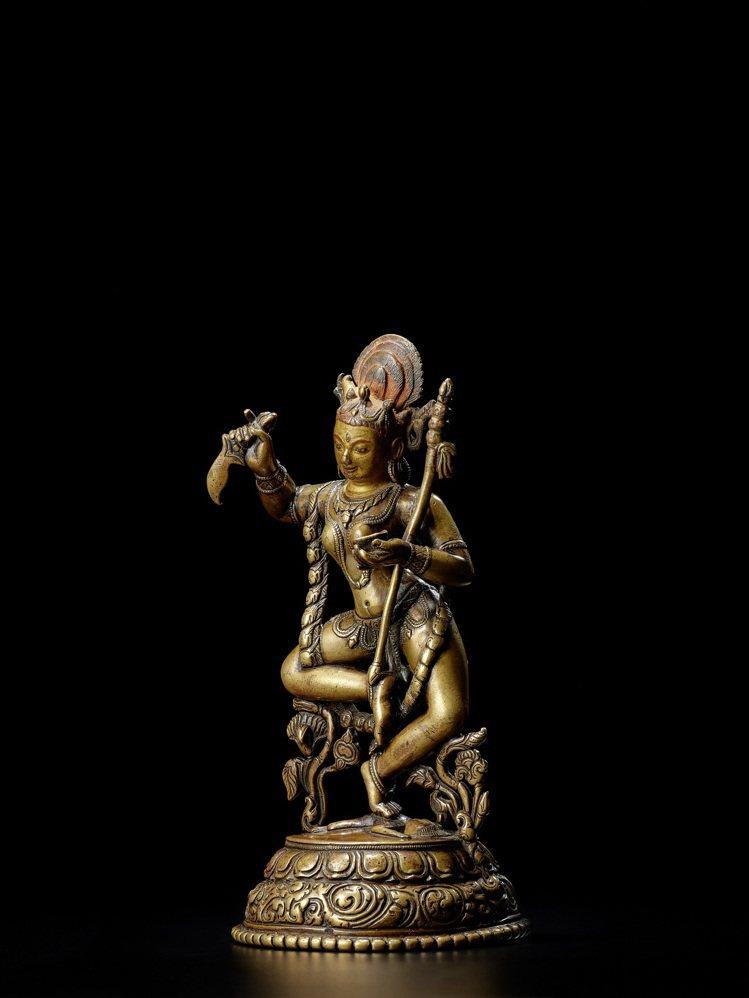 「印度、喜馬拉雅及東南亞藝術拍賣」領拍的是一尊北印度帕拉時期金剛亥母銅像,估價4...