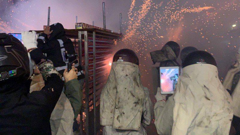 台南鹽水蜂炮今年縮小規模。本報資料照片/記者吳淑玲/攝影