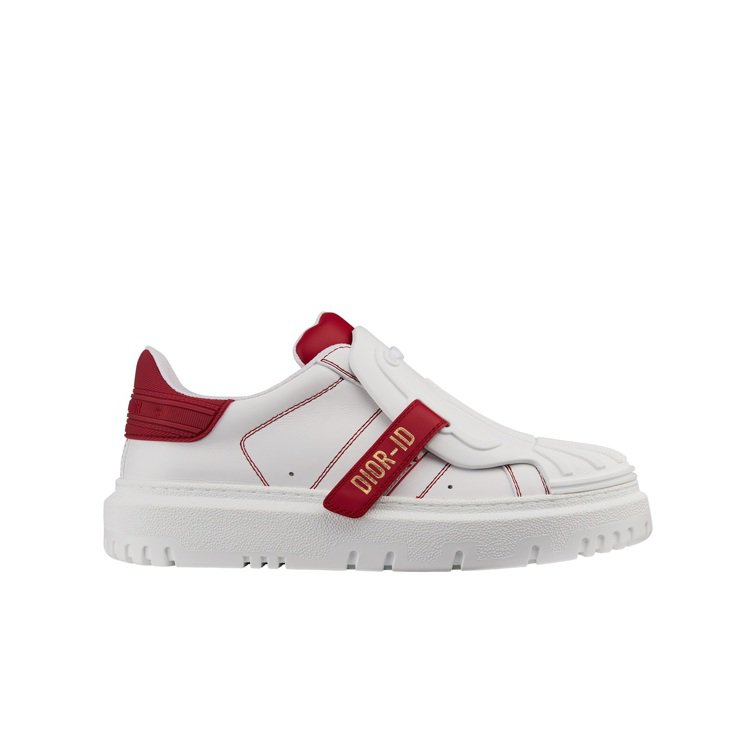DIOR-ID 白色與櫻桃紅小牛皮休閒鞋,36,000元。圖/DIOR提供
