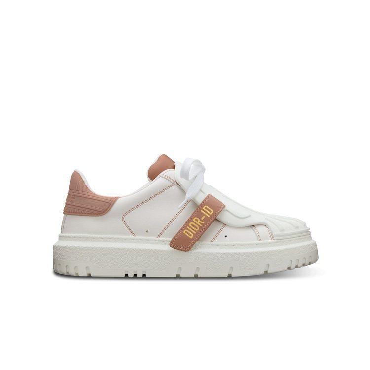 DIOR-ID白色與粉色小牛皮休閒鞋,36,000元。圖/DIOR提供