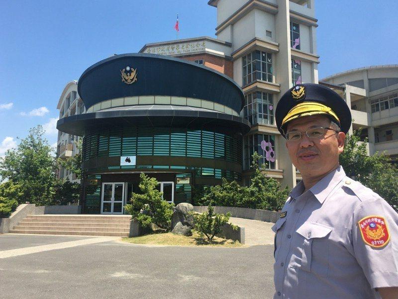 台南市新化派出所有超大警帽,成了全台警察廳舍中最夯的打卡景點。圖/聯合報系資料照片